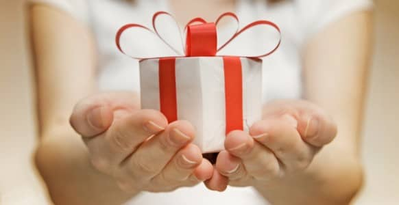 Give The Gift Of Hypnosis With These 4 Feel-Good Techniques